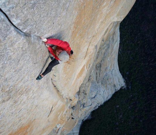 Hazel Findlay, dans le crux du Salathé Wall - Yosemite