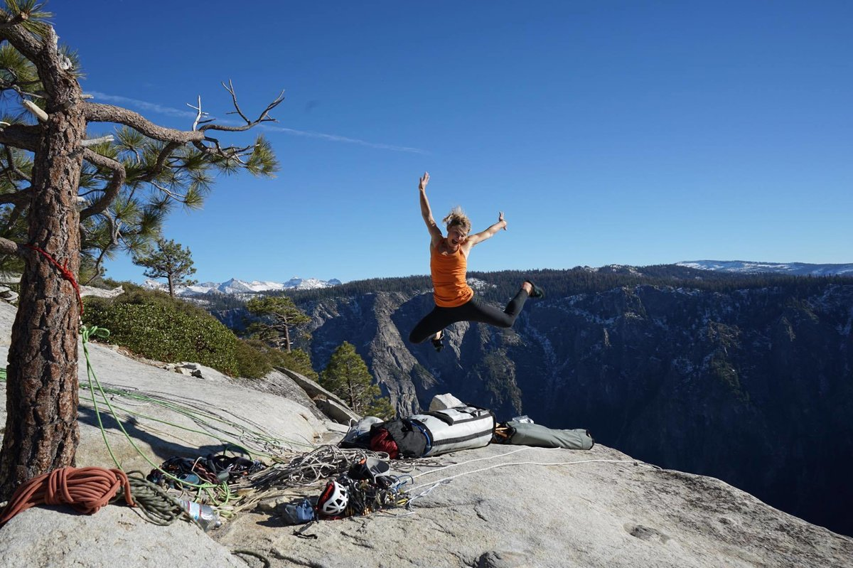 Hazel Findlay, au sommet d'El Cap après son ascension du Salathé Wall - Yosemite